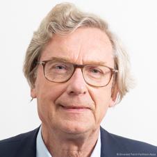 Rémy RIEFFEL, professeur en sciences de l'information et communication