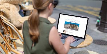 Photo pour les candidatures avec écran, ordinateur, clavier et mains